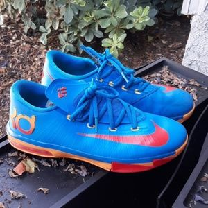 b3052378c313e ☀️Nike KD Athletic Shoes size 7y